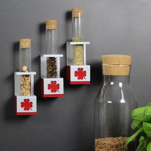 MAGNETIC CUBE WITH VIAL HOLDER