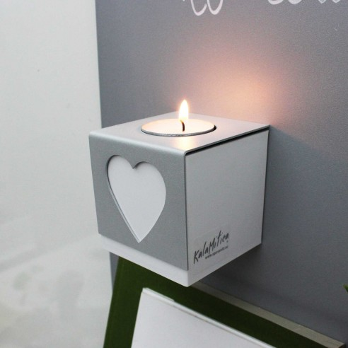 MAGNETIC CUBE WITH CANDLE HOLDER
