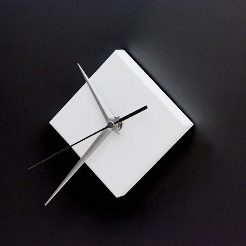 SQUARE MAGNETIC CLOCK / MATT WHITE