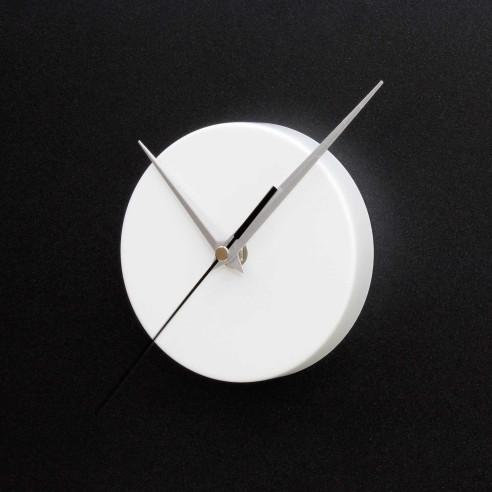 ROUND MAGNETIC CLOCK / MATT WHITE