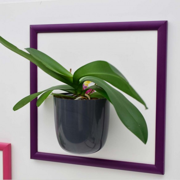 MAGNETIC CHALKBOARD WITH FRAME 30X30 CM